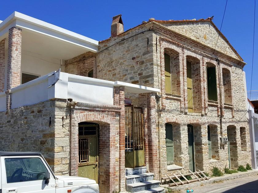 Μονοκατοικία 217τ.μ. πρoς αγορά-Χίος » Ιωνία