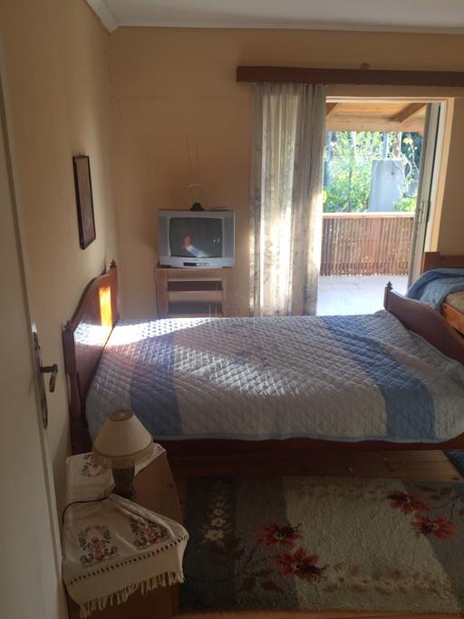 Μονοκατοικία 153τ.μ. πρoς αγορά-Αρτέμιδα (λούτσα) » Άγιος ιωάννης