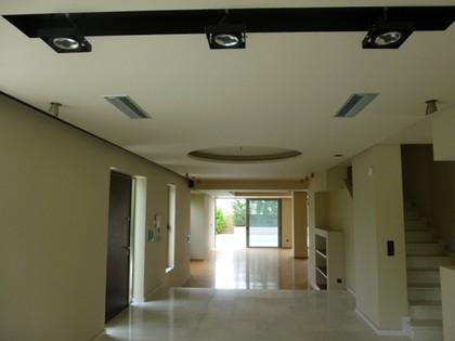 Μονοκατοικία 500τ.μ. για ενοικίαση-Γλυφάδα