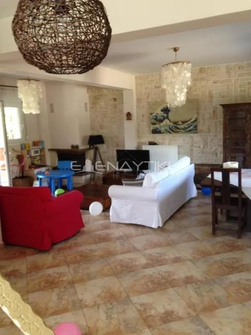 Μονοκατοικία 180τ.μ. πρoς αγορά-Πεύκα » Κέντρο