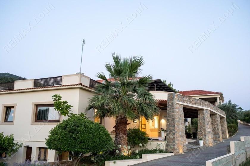 Ξενοδοχείο 2.248τ.μ. πρoς αγορά-Σκόπελος » Χώρα