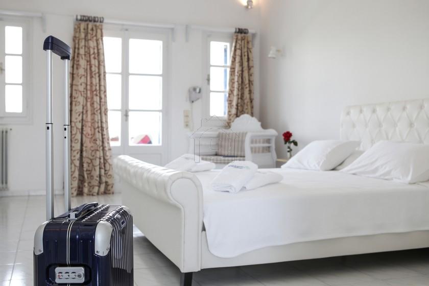 Ξενοδοχείο 35τ.μ. πρoς booking-Σαντορίνη » Θήρα