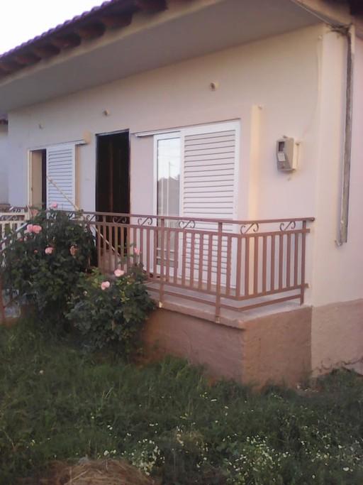Μονοκατοικία 50τ.μ. πρoς ενοικίαση-Απολλώνια » Λουτρά βόλβης