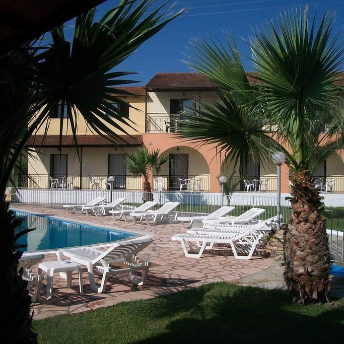 Ξενοδοχείο 240τ.μ. πρoς booking-Κέρκυρα » Λευκίμμη