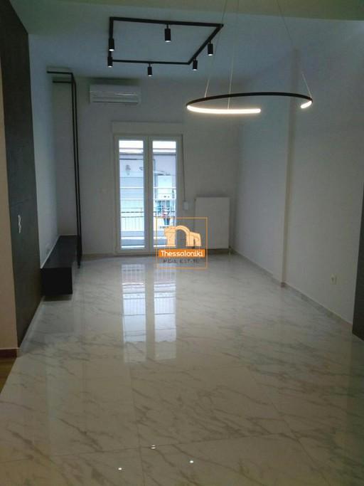 Διαμέρισμα 95τ.μ. πρoς αγορά-Τοπείρο » Μικρό ορφανό