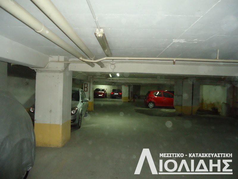 Parking 3.400τ.μ. πρoς αγορά-Καμάρα