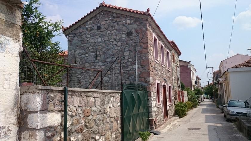 Μονοκατοικία 84τ.μ. πρoς αγορά-Λέσβος - καλλονή