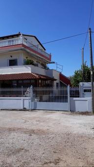 Μονοκατοικία 240τ.μ. πρoς αγορά-Αρτέμιδα (λούτσα) » Βορινέζα