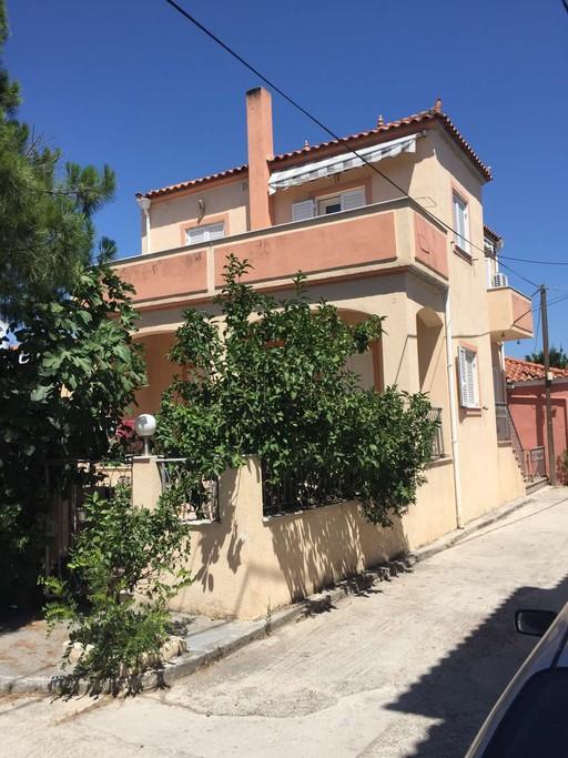 Μονοκατοικία 200τ.μ. πρoς αγορά-Λέσβος - καλλονή
