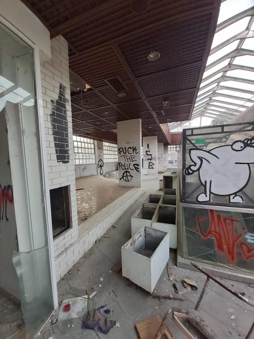 Επιχειρηματικό κτίριο 2.100 τ.μ. πρoς αγορά, Αθήνα - Νότια Προάστια, Βάρη- Βάρκιζα-thumb-19