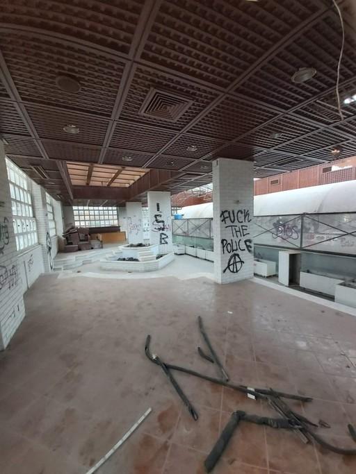 Επιχειρηματικό κτίριο 2.100 τ.μ. πρoς αγορά, Αθήνα - Νότια Προάστια, Βάρη- Βάρκιζα-thumb-20