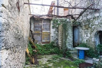 Μονοκατοικία 95τ.μ. πρoς αγορά-Νικηφόρος φωκάς » Ρούστικα