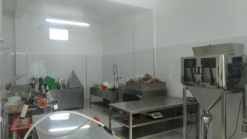 Βιοτεχνικός χώρος 120τ.μ. πρoς αγορά-Παλαμάς » Κέντρο