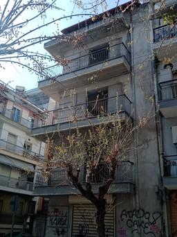 Κτίριο 330τ.μ. πρoς αγορά-Σταθμός οσε