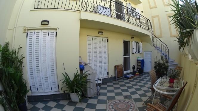 Μονοκατοικία 242τ.μ. πρoς αγορά-Καστέλλα