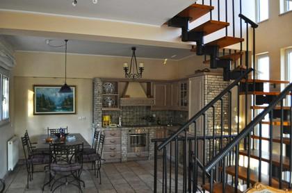 Μονοκατοικία 200τ.μ. πρoς αγορά-Ραφήνα » Κέντρο