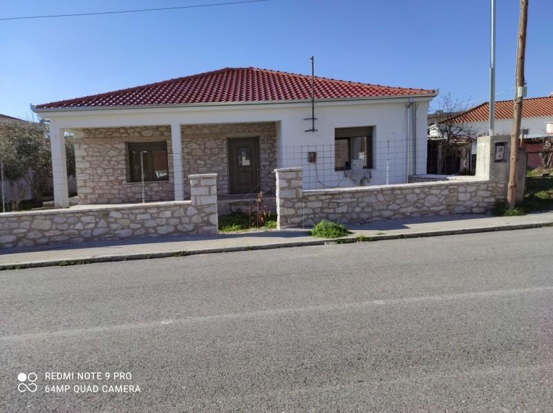 Μονοκατοικία 104τ.μ. πρoς αγορά-Φαρκαδόνα » Κέντρο
